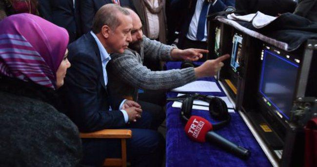 Cumhurbaşkanı'ndan TRT çalışanlarına kutlama