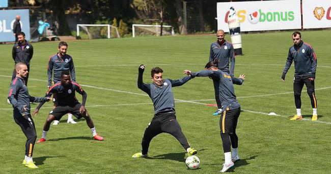 Galatasaray, Akhisar maçı için ara vermedi