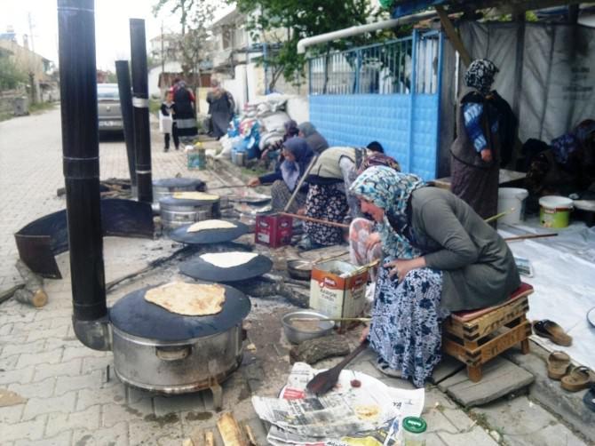 Karşıyaka Mahallesi Kadınlarından Gözleme Hayrı