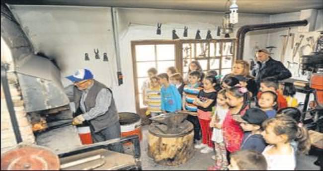 Öğrenciler Altın Köy'de hem eğlendi hem öğrendi