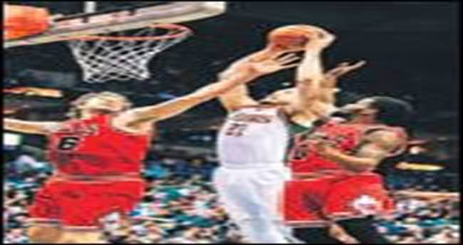 Bulls, Bucks'ı harcadı Clippers 'devam' dedi