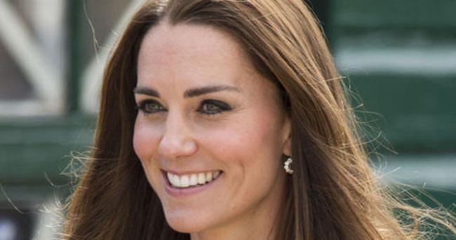 Kate Middleton doğum için hastanede