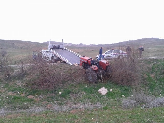 Takla Atan Traktörün Sürücüsü Hayatını Kaybetti