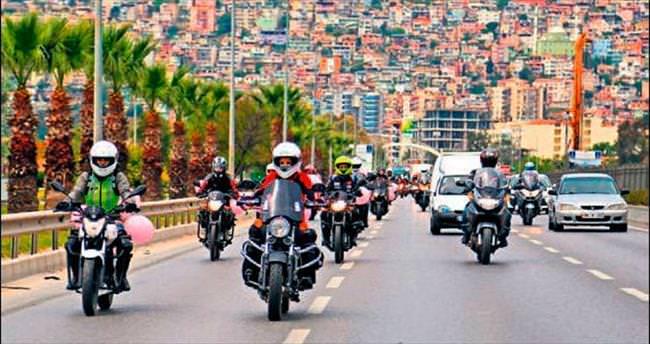 Kadın motorcular: Trafikte biz de varız