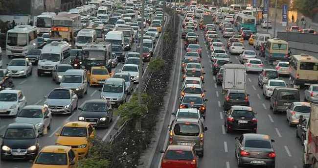İşte İstanbul'da bugün trafiğe kapatılan yollar