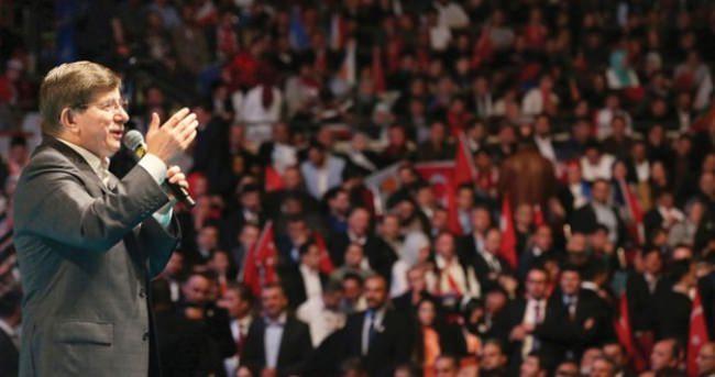 Başbakan Davutoğlu, Ankara'ya döndü