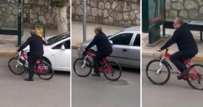 Makam aracı yerine bisiklet kullanan başkan