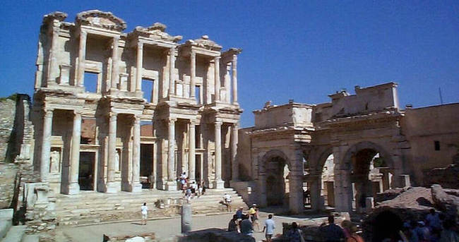 Efes Antik Kenti'ne UNESCO müjdesi