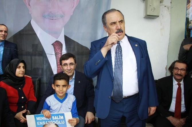 AK Parti Adayları Seçmenleri İle Buluşuyor