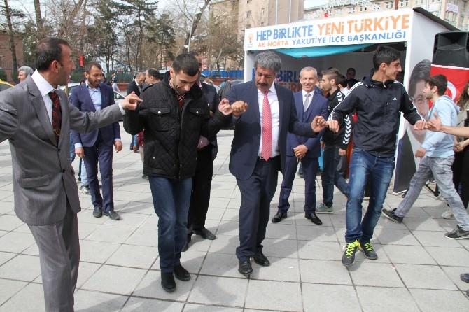 AK Partili Fırat, Yeni Anayasayı Anlattı