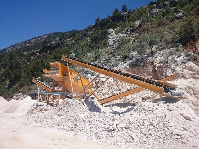 Büyükşehir Belediyesi Ekipleri Manavgat'ta Asfalt Çalışmalarına Başladı