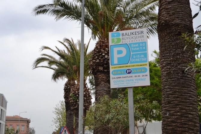 Ayvalık'ta Parkomatlar Balpark Bünyesine Geçiyor
