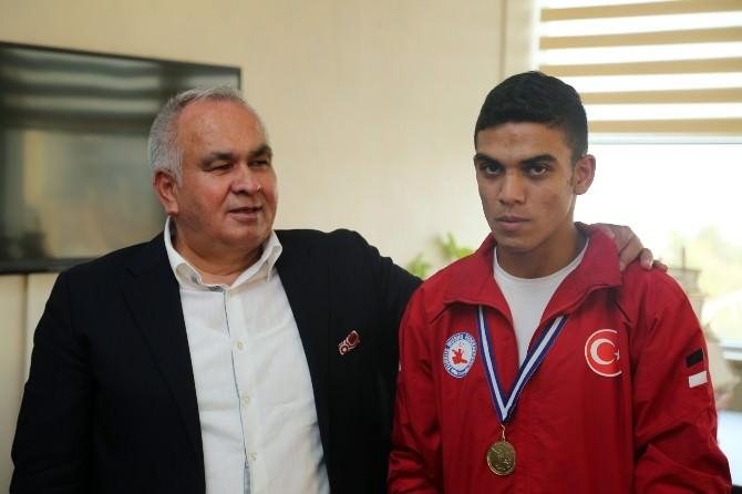 Balkan Şampiyonundan Başkan Tollu'ya Ziyaret