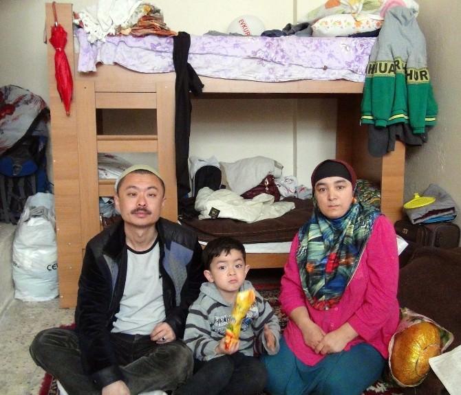 Doğu Türkistanlı Aileye Magid Sahip Çıktı