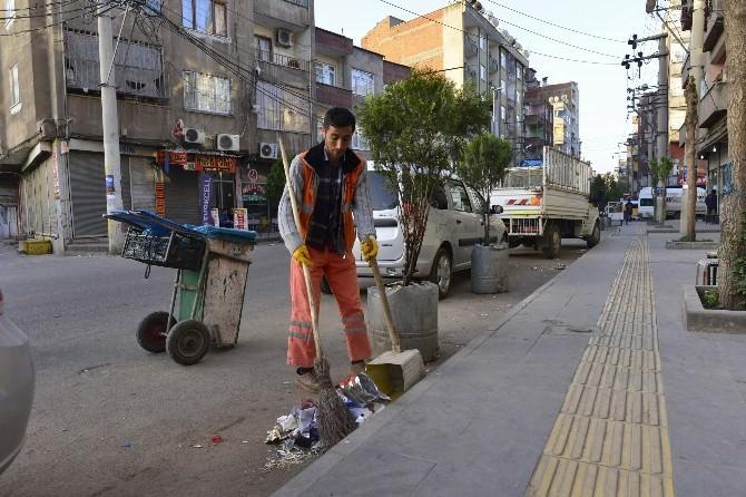 Diyarbakır 329 İşçi İle Temizleniyor