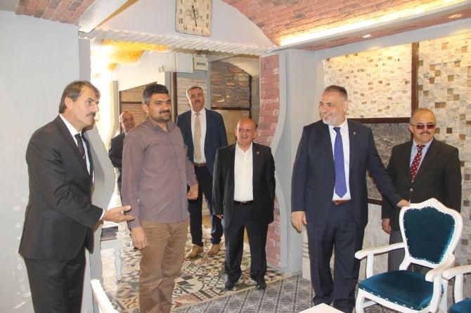 Hacıeyüpoğlu: Kuru Slogan Değil, Proje Üretiyoruz