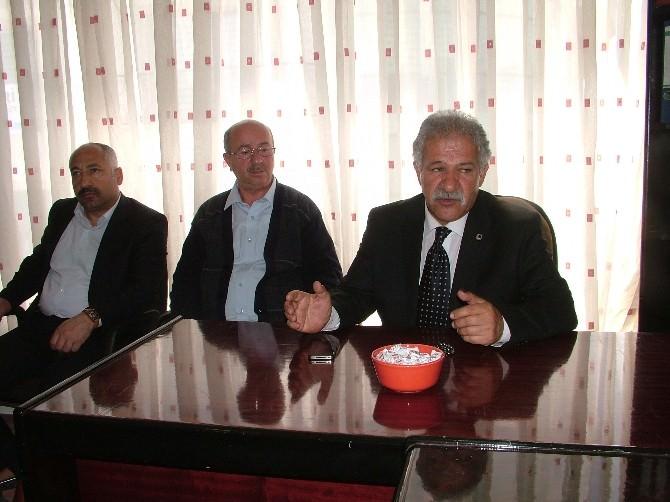 MHP'li Çavuşoğlu'ndan Van-ahlat Derneği'ne Ziyaret