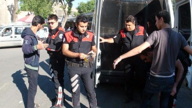 Şanlıurfa'ya Kayıt Dışı Giren Suriyeliler Gözaltına Alındı