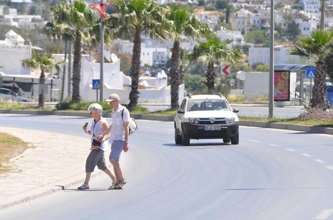 Yoğunlaşan Trafik Turistlere Zor Anlar Yaşatıyor