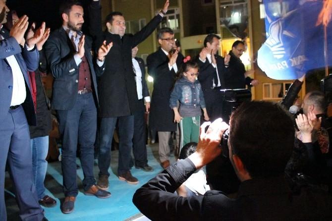 Uşak AK Parti Milletvekili Adayları TOKİ'de Vatandaşla Buluştu