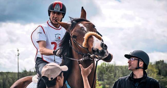 Eker: At binilecek alan sayısı artmalı