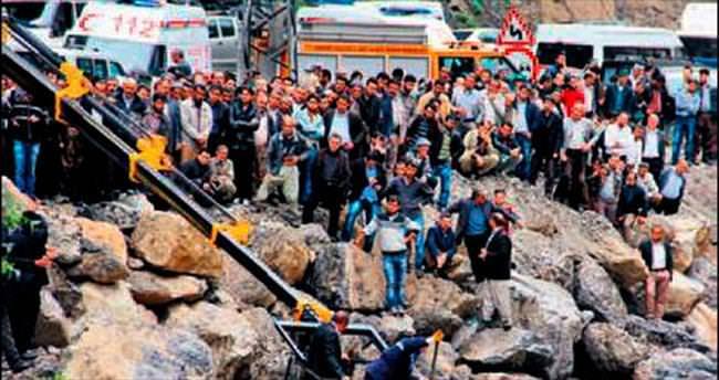 Cenaze yolunda Zap'a uçtular: 5 kişi kayıp