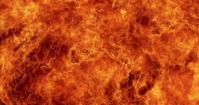 Fatih'te ev yangını