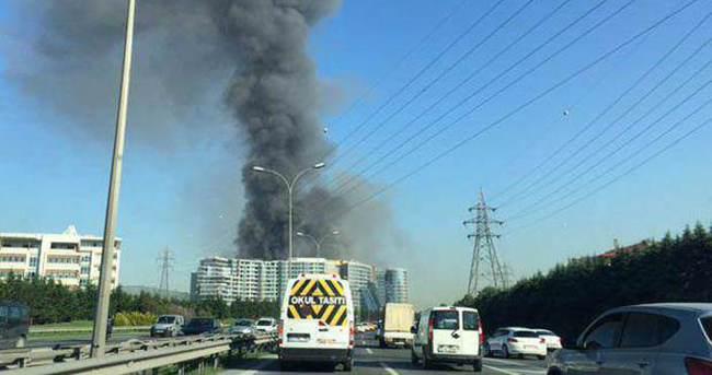 İstanbul'da otel inşaatında yangın!