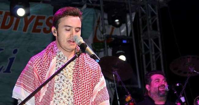 Mustafa Ceceli konserinde olaylar çıktı