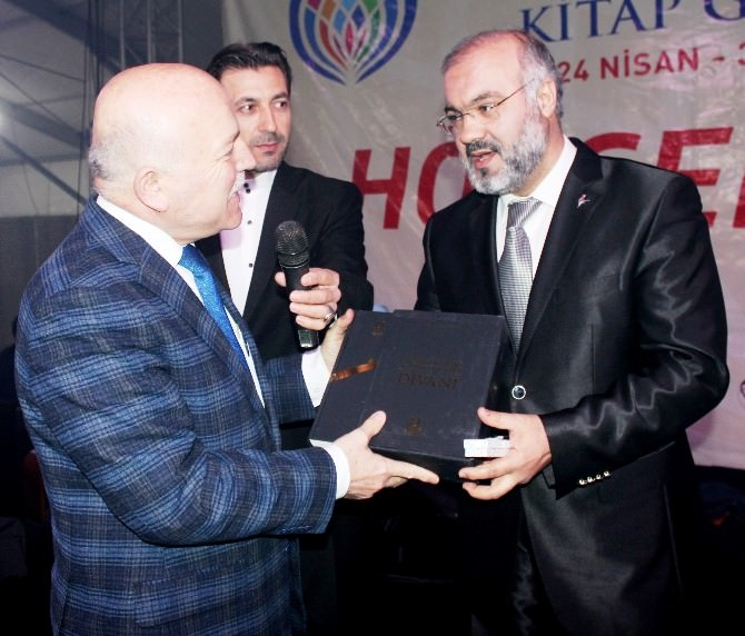 2015 Erzurum Kitap Günleri Hoş Bir Seda İle Bitti