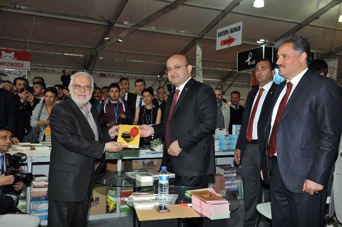 4. Malatya Anadolu Kitap Fuarı Açıldı