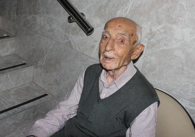 Sahte Polis Kuyumcu Soyuldu Diyerek Yaşlı Adamın 221 Bin Lirasına Dolandırdı