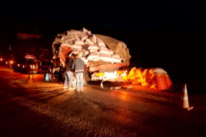 Kızılcahamam'da Tır Kazası ; 1 Yaralı