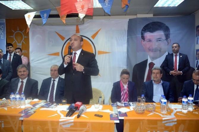 """Akdoğan: """"Bunlar Siyasetin Üfürükçüleri"""""""