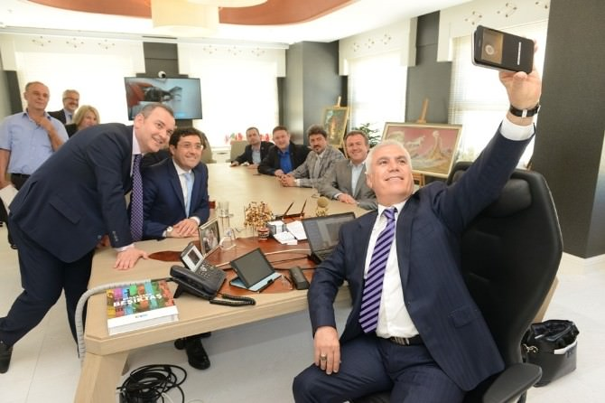 Beşiktaş Belediye Başkanı Hazinedar'dan Başkan Bozbey'e Ziyaret