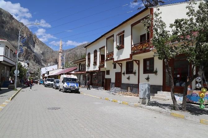 Bir Prestij Caddesi De Uzundere İlçesine