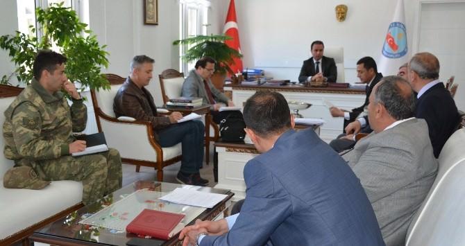 """Tatvan'da """"19 Mayıs Ve Gençlik Haftası"""" Toplantısı Yapıldı"""