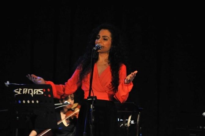 'İçinden Müzik Geçen Romanlar' Dinleyenleri Mest Etti