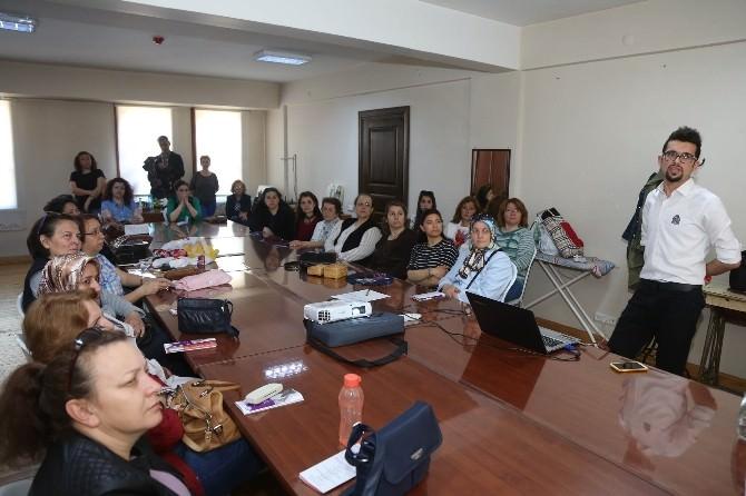 Eskişehir'de Sağlıklı Beslenme Ve Stres İle Başa Çıkma Seminerleri