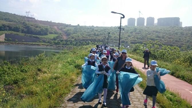 İzmit'te Vatandaşların Katılımıyla Çevre Temizliği Yapıldı