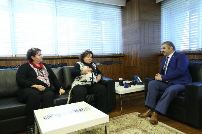 Yıldız Ayhan'dan Başkan Çelik'e Ziyaret