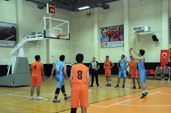 Şehitkamil Belediyesi Basketbol Gençlik Kupası'nda Hava Atışı Yapıldı