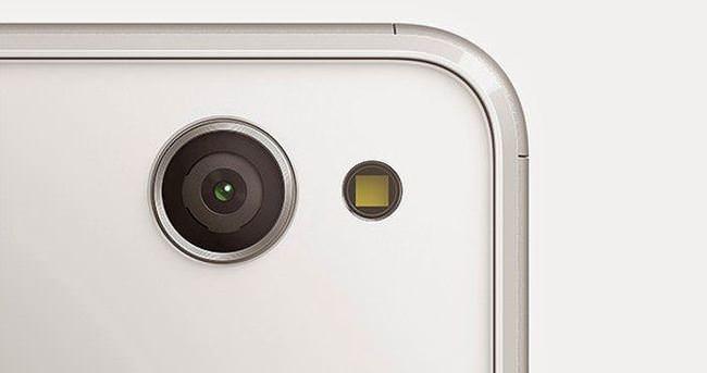 Sony yeni selfie telefonu Xperia C4'ü duyurdu