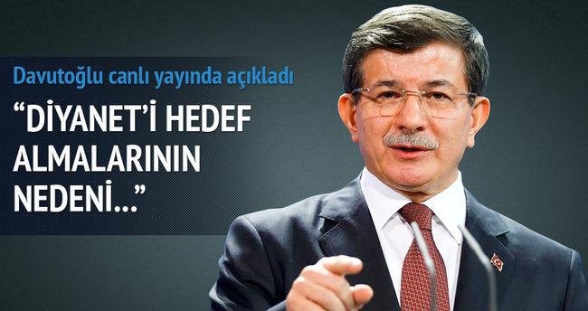 Davutoğlu canlı yayında soruları yanıtladı