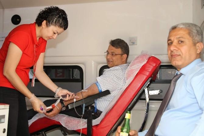 """""""Kan Verin, Talasemi Hastalarına Can Verin"""" Sloganlı Kampanya"""