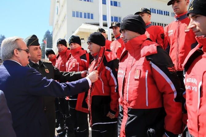 Validen Jandarma Arama Timlerine Ödül