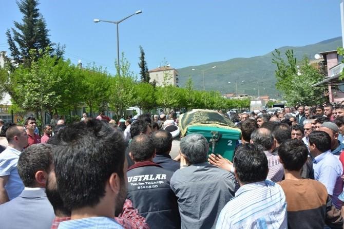 Servis Altında Kalan Minik Melisa Gözyaşları Arasında Toprağa Verildi