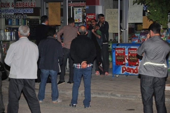 Gaziantep'te Sokak Ortasında Boynuna Bıçak Dayayıp Rehin Aldı