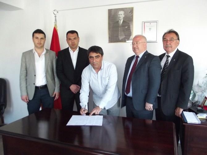 Muğlaspor'da Teknik Patron Tekin İmzaladı