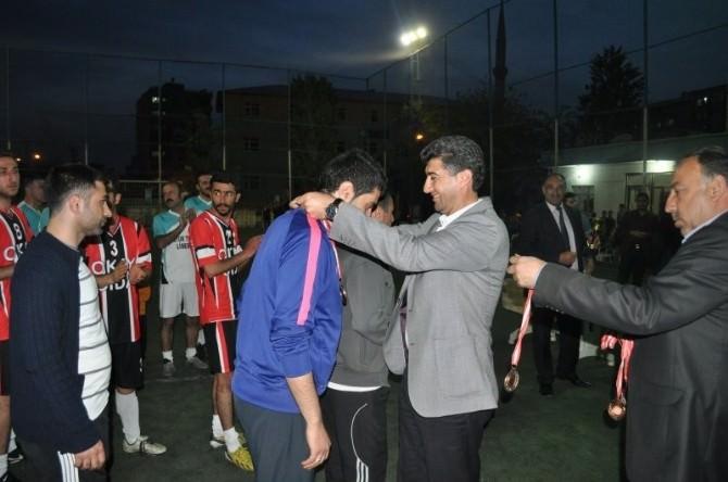 Kurtalan'da Halı Saha Turnuvası Yapıldı